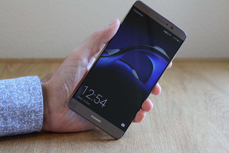 Huawei Mate 10 – un concurent puternic pentru noul iPhone 8?