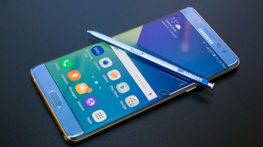 Samsung Galaxy Note 8 versus iPhone 8