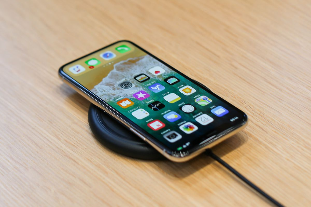 iPhone X - prețuri și controverse